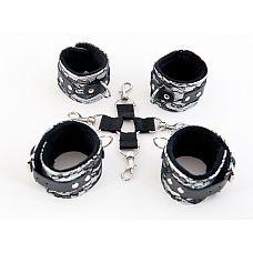 Серебристый кружевной бондажный комплект   Серебро и кружево - роскошное сочетание, чтобы в любой ситуации чувствовать себя неотразимой.