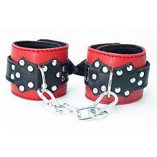 Наручники из красно-черной кожи с пряжкой 51013ars  Оживить эротические игры Вам помогут наручники с пряжкой 51013ars.