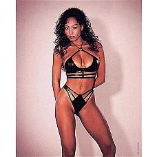 Комплект белья Bikiniset  Экстравагантный комплект белья из латекса (бюстгальтер и трусики-стринги).