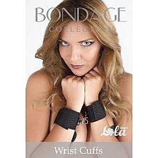 Наручники Bondage Collection Wrist Cuffs  Наручники Bondage Collection Wrist Cuffs выполнены с металлической сцепкой и липучками, что позволяет регулировать их размер.