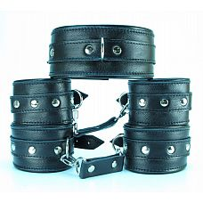 Набор БДСМ-аксессуаров из гладкой кожи: ошейник, наручники и оковы  Набор аксессуаров, изготовленных из натуральной кожи.