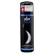 Увлажняющий лубрикант Pjur AQUA, 250 ml  Лубрикант Pjur® AQUA, как видно из названия, создан на водной основе и отлично увлажняет кожу особенно нежных участков тела. <br><br> Никакого ощущения липкости, лишь комфорт и чувственное скольжение в течение длительного времени! Смазка питает, успокаивает поврежденную кожу и защищает от раздражения сухую. <br><br> Лубрикант не содержит нефтепродуктов, парфюмерных добавок, масел и отдушек, поэтому идеально подходит для ежедневного использования.