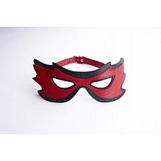 Маска на глаза с разрезами черная с красным 3085-12  Эротическая маска на глаза завораживает партнера разрезами для глаз.