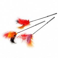 Стек щекоталка с натуральными перьями, длина 45 см 6037  Интим - игрушка стек 6037 будет дополнительным стимулятором в сексуальных играх.