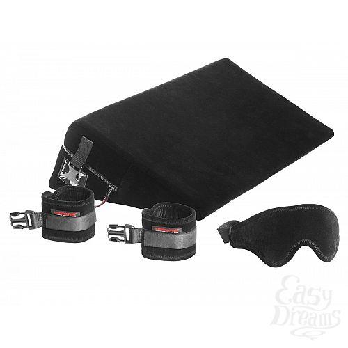 Фотография 1:  Малая подушка для любви с креплениями и маской Liberator Retail Black Label Wedge из микрофибры