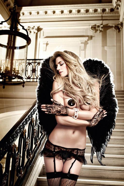 elina-egle-eroticheskie-foto