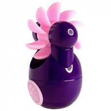Фиолетовый клиторальный вибростимулятор Sqweel Go Purple  Карманный клиторальный вибратор Sqweel Go Pink  невероятно мощный. Симулятор орального секса для женщин, оборудован вращающимся колесом с 10 силиконовыми язычками. Дарит потрясающие приятные ощущения. 6 скоростей и режимов позволяют выбрать нужную интенсивность стимуляции индивидуально.  <br><br>Заряжается от сети через USB-вход. Для полной зарядки потребуется 2 часа. Время непрерывной работы: 1 час.
