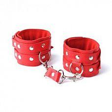Красные кожаные наручники с велюровой подкладкой  Изготовлены из натуральной кожи с велюровой подкладкой.