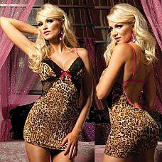 Платье с открытой спиной  Дерзкое, привлекающее внимание платье соблазнительной длины.