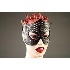 Чёрная маска-очки с клёпками  Маска ручной работы изготовлена из натуральной кожи и украшена металлическими заклепками.