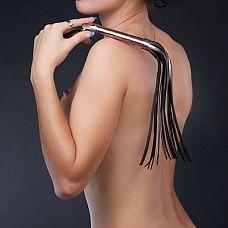 Серебристая мини-плеть - 40 см.  Гладкая плеть (флоггер) изготовлена из искусственной кожи.