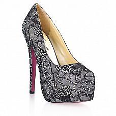 Гипюровые туфли с кристаллами Dark Silver  Гипюровые туфли с контрастными сочетанием черного и серебряного цветов.
