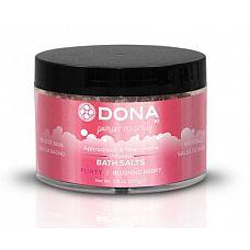Соль для ванны DONA Flirty Blushing Berry - 215 гр.  Соль для ванны DONA Bath Salt Blushing Berry с ароматом  Флирт .