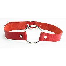 Красный кожаный кляп с кольцом  Красный кожаный кляп с кольцом. Застегивается сзади на пряжку.
