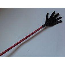 Короткий красный плетеный стек с наконечником-ладошкой - 70 см.  Стек состоит из гибкой основы, овитой натуральной кожей, наконечника и удобной рукояти с петлей для надевания на руку (темляк).
