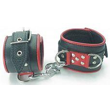 Широкие черные наручники с красным декором  Сильные наручники в красно-черном цвете.