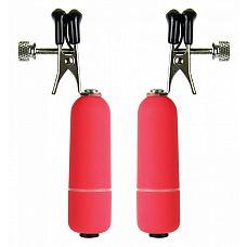 Красные клипсы на соски с вибрацией  Металлические зажимы для сосков с резиновым покрытием и вибрацией.