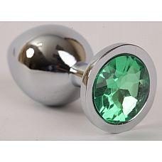 Серебристая анальная пробка с зеленым стразом - 8,2 см.  Металлическая пробка с ограничительным основанием для безопасного использования.