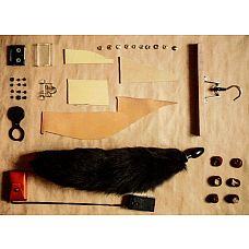 Анальная пробка черного цвета с черным лисьим хвостом, 4 см.   Анальная пробка, черного цвета, диаметр 4 см с черным лисьим хвостом.