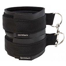 Чёрные манжеты на запястья с соединительным карабином Sports Cuffs  Чёрные манжеты на запястья с соединительным карабином Sports Cuffs.