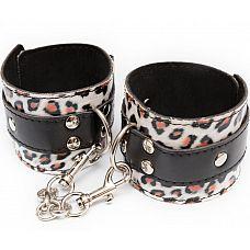 Наручники леопардовой расцветки с карабинами  Гладкие широкие наручникиPхищной животной расцветки.