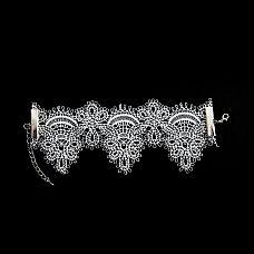 Кружевной браслет Delicati pizzi  Изящный, почти невесомый кружевной браслет - нежный, очень женственный аксессуар, которым можно дополнить эротический наряд или даже платье невесты.