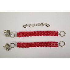Красные оковы на ноги из бус  Красивые наножники из красного  жемчуга  с замочками в виде сердца  и четырьмя ключиками.