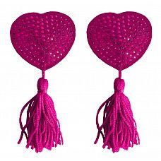 Розовые пестисы-сердечки Tassels Heart  Два маленьких сердечка, обтянутых сатином и украшенных стразами  И любимый не может отвести взгляда от вашей пышной груди!  Прикрывая соски, дразня мяконькими кисточками, пэстис помогут вам распалить мужчину практически без усилий.