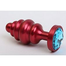 Красная ребристая анальная пробка с голубым стразом - 7,3 см.  Металлическая анальная пробка с ограничительным основанием для безопасного использования и кристаллом.
