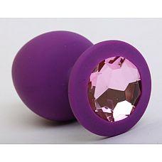 Фиолетовая силиконовая пробка с розовым стразом - 8,2 см.  Силиконовая анальная пробка с ограничительным основанием для безопасного использования.