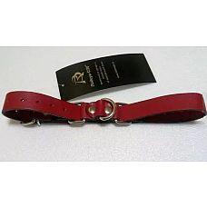 Красные ременные наручники с полукольцом  Ременная полоса из красной натуральной кожи с полукольцом в виде «восьмерки», с подвижной фиксацией.