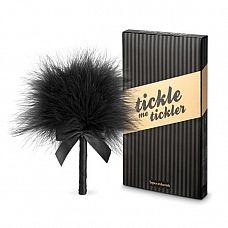 Пуховка для эротических игр Tickle Me Tickler  Пёрышко-щекоталка для прелюдий. Мягкая, нежная, универсальная в применении.