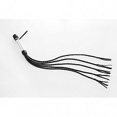 Плеть пятихвостная, 70 см   Плеть пятихвостая имеет хромированную рукоять диаметром 25 мм длиной 20 см, из которой выходят пять плетеных кожаных хвостов длиной 50 см.