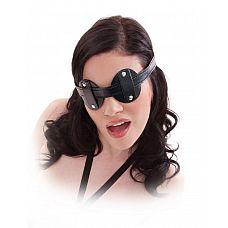 Маска на глаза Blinder Mask  Выключите свет и включите веселье с помощью этой фетиш-фэнтезийной серии Blinder Mask! Виниловая лента полностью регулируется в соответствии с большинством размеров, в то время как круги скользят вдоль ремня, чтобы идеально подогнать глаза вашего объекта, гарантируя, что они остаются погруженными в темноту.