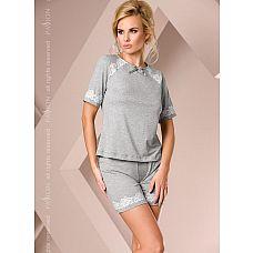 Серая пижамка с кружевом  Комплект: топ с короткими руками и шорты, изделия декорированы кружевом.