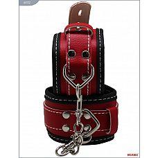 Чёрно-красные наручники на мягкой подкладке с фиксацией  Наручники Mjanu   высококачественное изделие с современной фурнитурой, аккуратными креплениями и отличной контрастной белой строчкой.