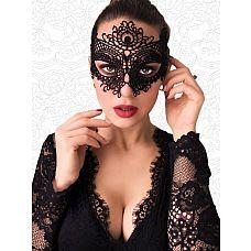 Чёрная высокая кружевная маска с крупным цветком в верхней части  Чёрная высокая кружевная маска с крупным цветком в верхней части.