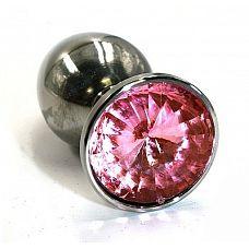 Большая серебристая алюминиевая анальная пробка с нежно-розовым кристаллом - 8,4 см.  Анальная пробка из алюминия размер L.