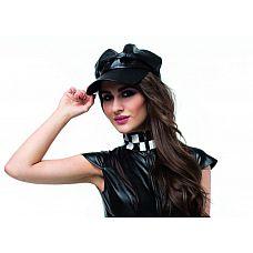 Большая кепка из кожи  Черная кепка может быть использована как часть игрового костюма или как для самостоятельного ношения.