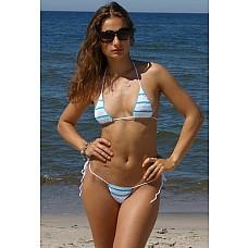 Вязаный купальник V351 D2U  Ну разве можно не обратить внимания на знойную морячку? Особенно, если вместо полосатой тельняшки она одета в оригинальный вязаный купальник в озорную полоску. Стройная девушка в таком смелом наряде, состоящем из трусиков-стринг и бра в виде треугольников, станет главным украшением пляжа.