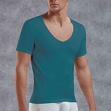 Мужская футболка с V-образным вырезом  Футболка из хлопково-модальной ткани с аккуратным вырезом спереди подчеркивает фигуру.