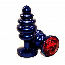 Синяя рифлёная пробка с красным кристаллом - 7,3 см.  Анальная пробка небесно синего цвета с ярким кристаллом внесет разнообразие в вашу интимную жизнь.