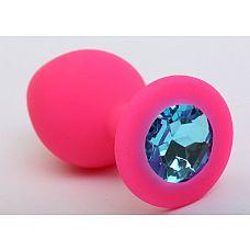 Розовая анальная втулка с голубым кристаллом - 7,3 см.  Гладенькая силиконовая пробка с кристаллом в ограничительном основании.