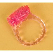 Розовое эрекционное кольцо с вибратором (ToyFa 818035-3)  Потрясающее кольцо с мощным минивибратором доставит незабываемое удовольствие обоим партнерам!!!  <br>Кольцо одевается на половой орган мужчины, включается вибрационное устройство, и оба партнера начинают свой путь к вершинам наслаждения! <br>За счет простоты в использовании и наличия вибрационного устройства, идеально подходит для пар, желающих ярких ощущений, но пока не решающихся на использование традиционного вибратора.  <br>Дополнительное назначение насадки - стимуляция клитора партнерши. <br>Батарейка комплекте.