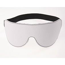 Маска на глаза кожаная литая белая 3081-3  Маска 3081-3 на глаза невинного белого цвета помогает полностью расслабиться, даже если это у Вас впервые.