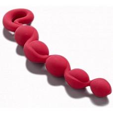 Красная анальная цепочка Bendybeads  BENDYBEADS - эластичная анальная цепочка - состоит из 100% гипоаллергенного силикона и убеждает высококачественным исполнением и красивым дизайном. Волнующее жемчужное ожерелье для ощутимого желания: BENDYBEADS - это превосходный носитель радостей для всех, кто делает свою интимную жизнь разнообразной и хотел бы испытать что-то новое.