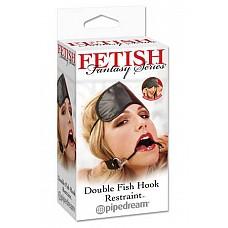 Расширитель для рта Double Fish Hook Restraint  Набор Double Fish Hook Restraint из коллекции Fetish Fantasy выполнен в черном цвете. Повязка на ремешке с металлическими крючками для рта и маска для глаз крепится на резинке.Крючки покрыты резиной для комфорта, и ремни на кляпе регулируемого Размера.