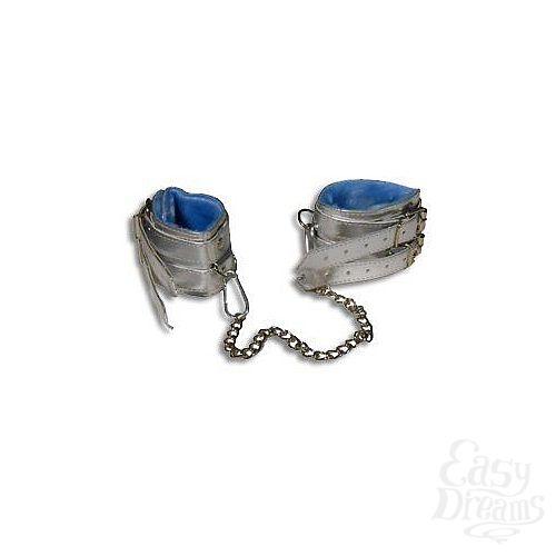Фотография 1:  Серебристые оковы с мехом