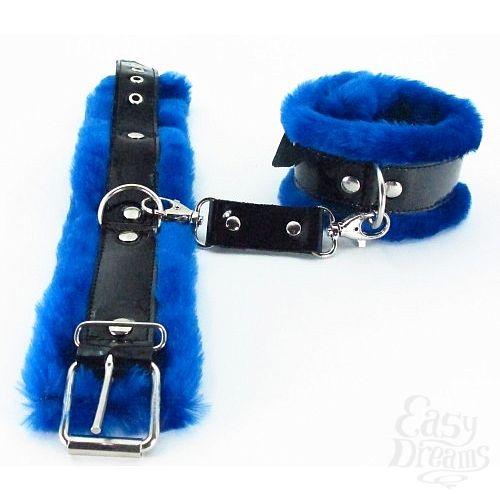 Фотография 2  БДСМ арсенал  Синие наручники с мехом BDSM Light 710003ars