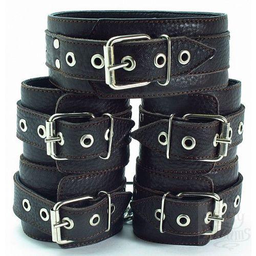 Фотография 1:  Набор коричневых фиксаторов: наручники с мехом, наножники и ошейник